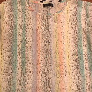 Tops - 🔥4🔥size large blouses all in excellent condition